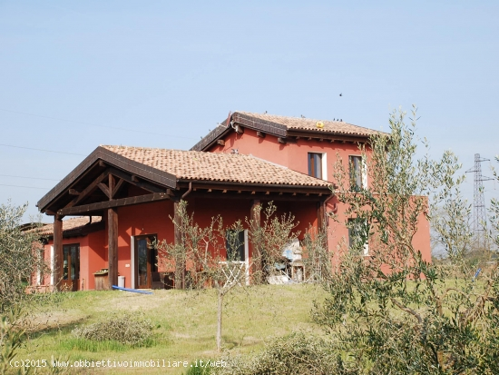 Obbiettivo immobiliare appartamenti ville e casali sul - Arredamento ville e casali ...